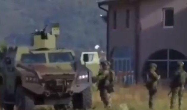 Με το δάχτυλο στη σκανδάλη οι Σέρβοι στα διοικητικά σύνορα με το Κόσοβο