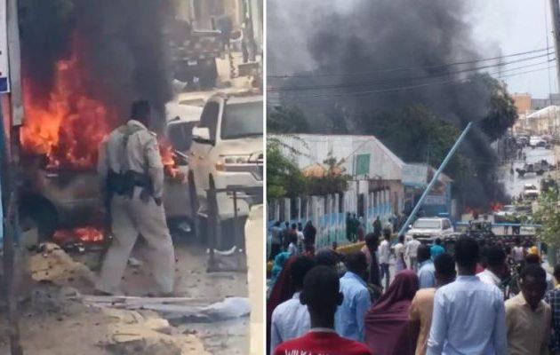 Φρικιαστική βομβιστική επίθεση της Σεμπάμπ (Αλ Κάιντα) στο Μογκαντίσου