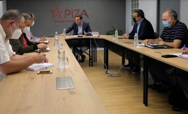 Ο Τσίπρας προειδοποιεί ότι ο Μητσοτάκης πουλά τη ΔΕΗ και θα πάρουν φωτιά οι λογαριασμοί